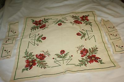 """Vintage Embroidery And Cross Stich Red Tea Tablecloth 28"""" X 28"""" And 6 Napkins"""