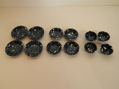 (Kp3.15) Dolls House Set Of Small Metal Plates & Bowls ( Check Sizes)