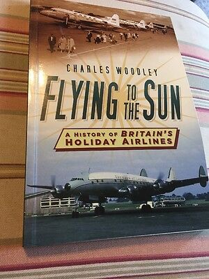 Flying to the Sun by Charles Woodley Paperback Book (English)