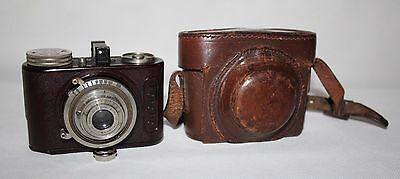 Kochmann Korelle K - Rare 1932 Sub-Mini Red/Brown Camera, Xenar f/2.9 Lens/Case