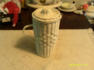 """Vintage White Wicker Beverage Pitcher w/ Removable Plastic Insert & Lid 12"""" Tall"""