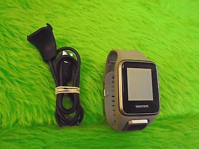 TOMTOM Golfer 2 Watch Large GREY Golf GPS Excellent Condition Golfing 086
