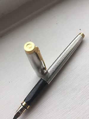 VINTAGE PARKER 75 Silver Plate And Gold Clip FOUNTAIN Pen Rare  Milleraies