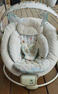 Bright starts comfort and harmony baby bouncer