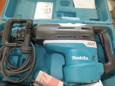 Makita HR5212C Rotary Hammer (New in Case)