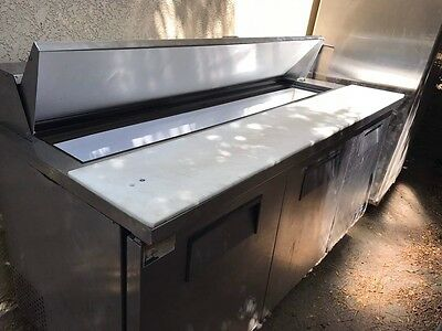 refrigerator for restaurants and catering businesses
