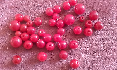Vintage, 1940's, bright red, opaque, round, loose, mixed glass beads (Ref 74)