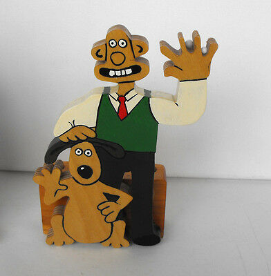 very RARE WALLACE AND GROMIT Wooden Pencil holder figure excellent condition