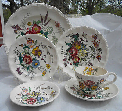 Spode Gainsborough Dinnerware S245 20 Pc Dinner Plate Cup Bowl Bread Salad