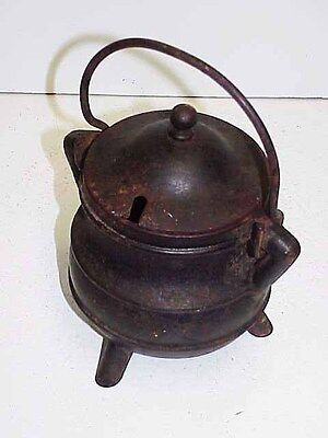 VTG Cast Iron Pot 3 Legged w/Bale Fire Starter Cauldron Smudge W/Cast Lid