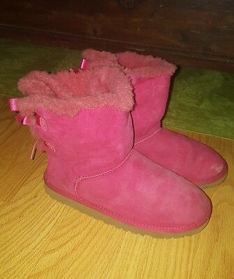 c10983d9b8c UGG YOUTH/ GIRLS Bailey Bow pink Suede Boots 3280Y Size 6