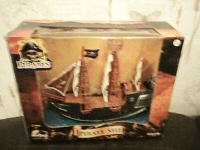 David Halsall Pirate Ship New Boxed 29Cm X 23Cm Highly Detailed Model