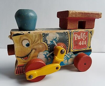 Fisher Price vintage Puffy 444 train pull toy