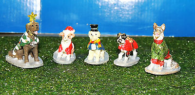 Set Of 5 Costumed Canines 1:24 (G) Scale Diorama