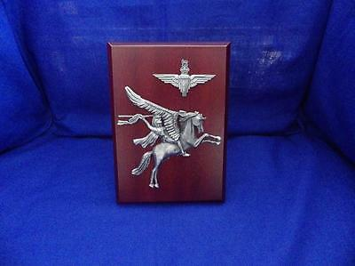 Parachute Regiment ( Paras ) Cap Badge And Pegasus Plaque