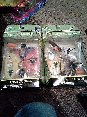 Road Runner & Wile E Coyote Looney Tunes DC Direct Set NIB scrambled aches