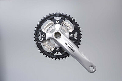 Shimano M590 Deore 9 Speed Chainset 44/32/22 and Hollowtech II Bottom Bracket