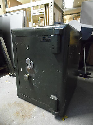 Original Chatwood Heavy Duty Vintage Safe Key Included