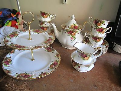 Royal Albert Old Country Rose 22 Piece Tea Set + 2 tier Cake Stand & Plate