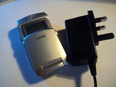 Original Retro Sony Z7 Made In France Gsm  Unlocked Mobile Phone+Charger