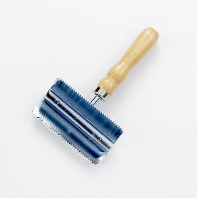 Lincoln Small Metal Curry Comb - Horse & Pony Care - Solid Wood
