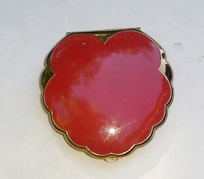 Vintage Elgin American Enamel Scalloped Clam Shell Compact, Red and Gold-Tone