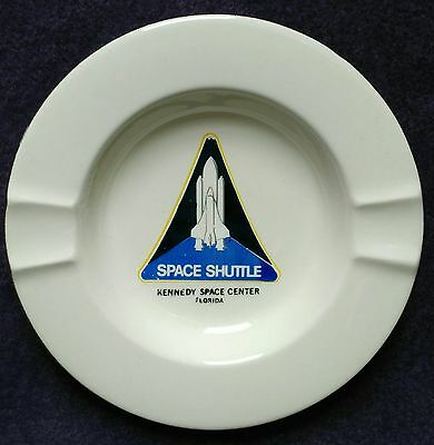"""Vintage Space Shuttle Kennedy Space Center White China Ashtray 5.5"""" Gold Rim"""