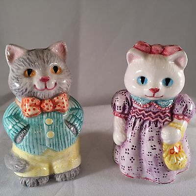 Vintage 1992 COUNTRY CATS Salt & Pepper Shakers Avon Country Collectables