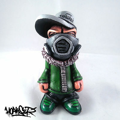 Hoakser Graffiti Man Original Resin Figure Hand Made Painted Sculpture Art Toy 1