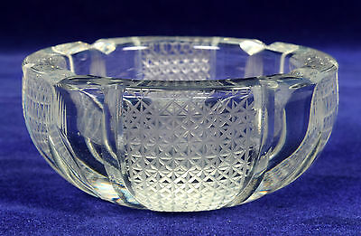 Vintage Old Collectible Heavy Glass Beautiful Cut Ash Tray/bowl Decor. G16-138