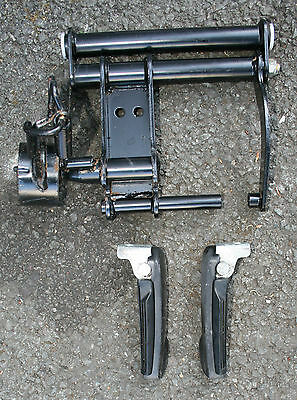 Piaggio Fly 125 Fly125 2012 12 Engine Mount Engine Bracket Footpegs Footrest