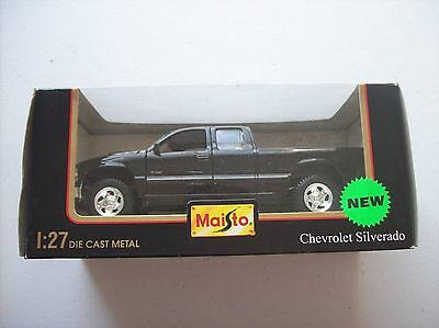 MAISTO Die Cast 1:27 1999 Chevrolet Silverado -- Motor Trend Truck of the Year