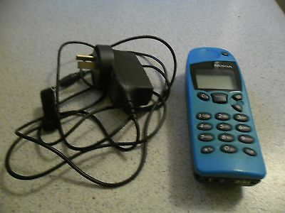 Vintage Nokia 5110 with Charger