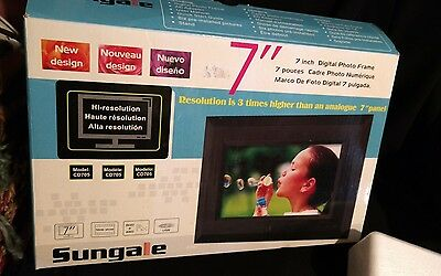 """Sungale CD705 7"""" Digital Picture Frame BRAND NEW in BOX Digital Photo Frame"""