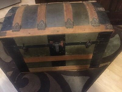 Vintage LARGE CAMELBACK,TRUNK storage chest steamer humpback toy box old