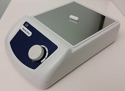 Analog Magnetic Stirrer, 0 - 2500 rpm with Two Free Stirring Bars