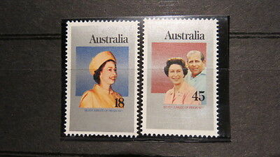 1977 Australian Stamp Release  Silver Jubilee Reign  2 Stamp set MNH MUH