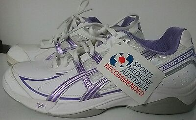 ASICS ladies size 7.5 sports shoes Gel Hotkitty lawn bowls flat sole P170N