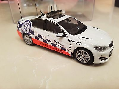 Biante 1:43 Holden VF SSV Commodore Highway Patrol Modified NSW Police Car