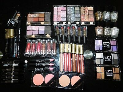 Lot 50 maquillage neuf D'donna Yes love