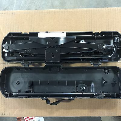 Original  OEM 2009-2015 FORD F150 JACK AND TOOL KIT Ex-lent CONDITION Box type