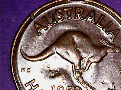 1950 Australia 1/2d HalfPenny ** ERROR DELAM + SHOWING ** #1323 =MINT OR PMD?=