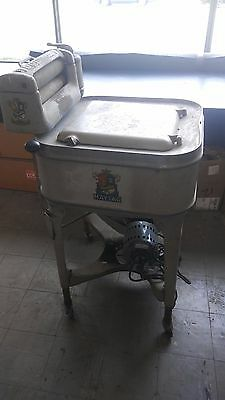 Vintage Maytag Gyratator  Washer  with Roller Water Remover (approximately 1937)