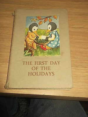 vintage ladybird book first day of the holidays  401 series