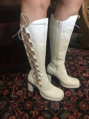 Vintage Women's Sbicca GoGo Boots Groovy Mod White Elastic Lace & Zipper Up Sz 9