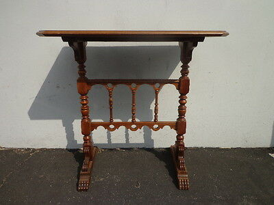 Table Accent Side End Victorian Traditional Carved Wood Nightstand Bedside Entry