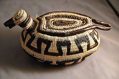 Fantastic Wounaan Embera Duck Basket from the Darién Rainforest, Panamá