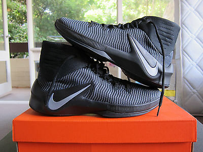 Nike Zoom Clear Out Basketball Shoes - Men's US10 NEW