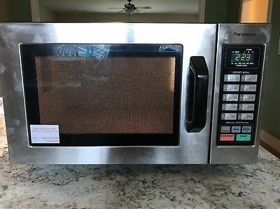 PANASONIC PRO COMMERCIAL MICROWAVE OVEN 1000W - NE-1054F Used