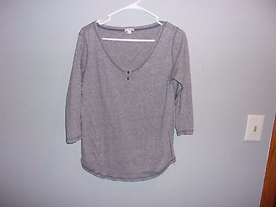 Women's 3/4 sleeve top. Gap.Size M. Gray.Solid. Cotton blend